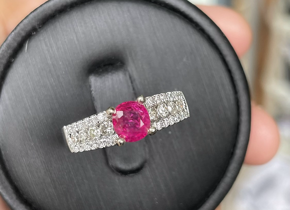 1.01Ct Unheated Burmese Ruby and Natural Diamonds ring in 18k solid gold