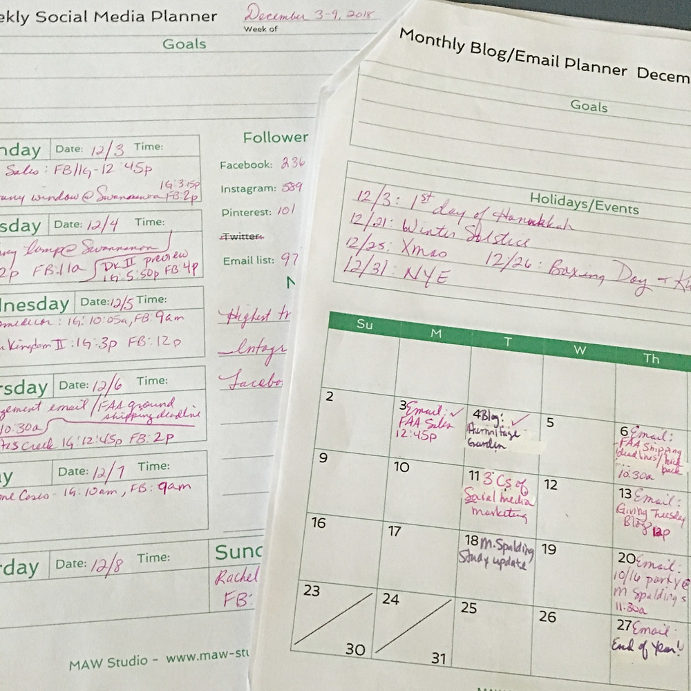 Weekly and monthly social media post content planners by MAW Studio