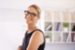 Sonriendo Mujer profesional de mirada