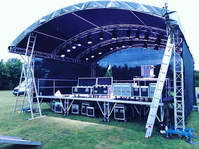 096 8 Meter Festival Stage UK.jpg