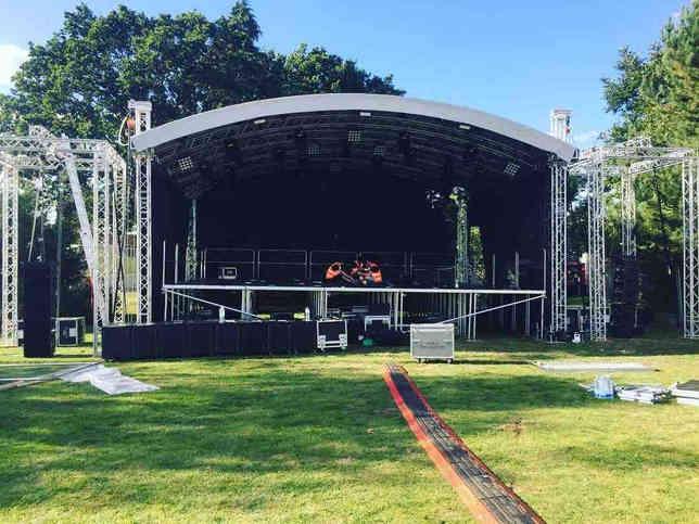 093 Outdoor Festival Stage Rental.jpg