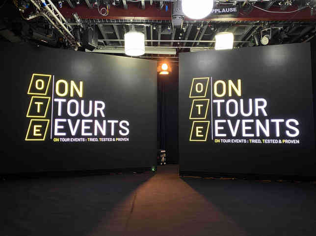 04 Pair of LED screen with On Tour Event