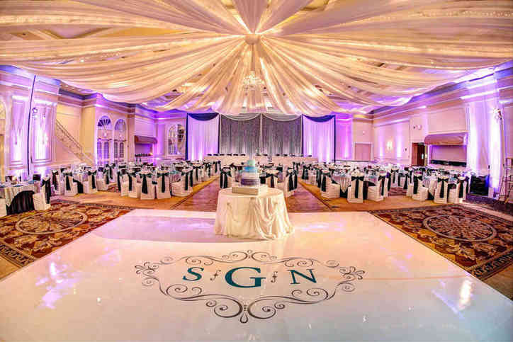 0152 Wedding Dance Floor With Monogram.j