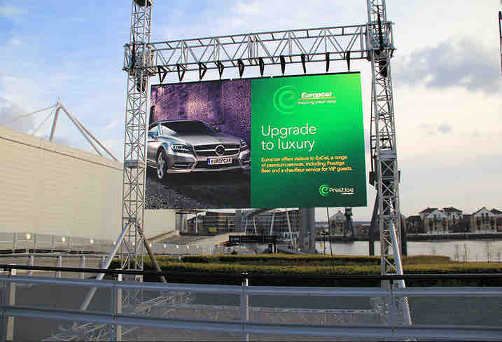 050 Outdoor Hanging Screen Hire.png