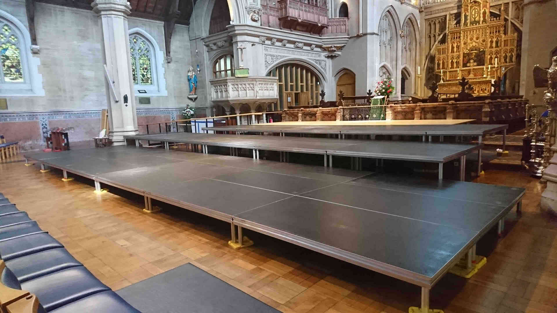 058 Large Tiered Stage in London.jpg