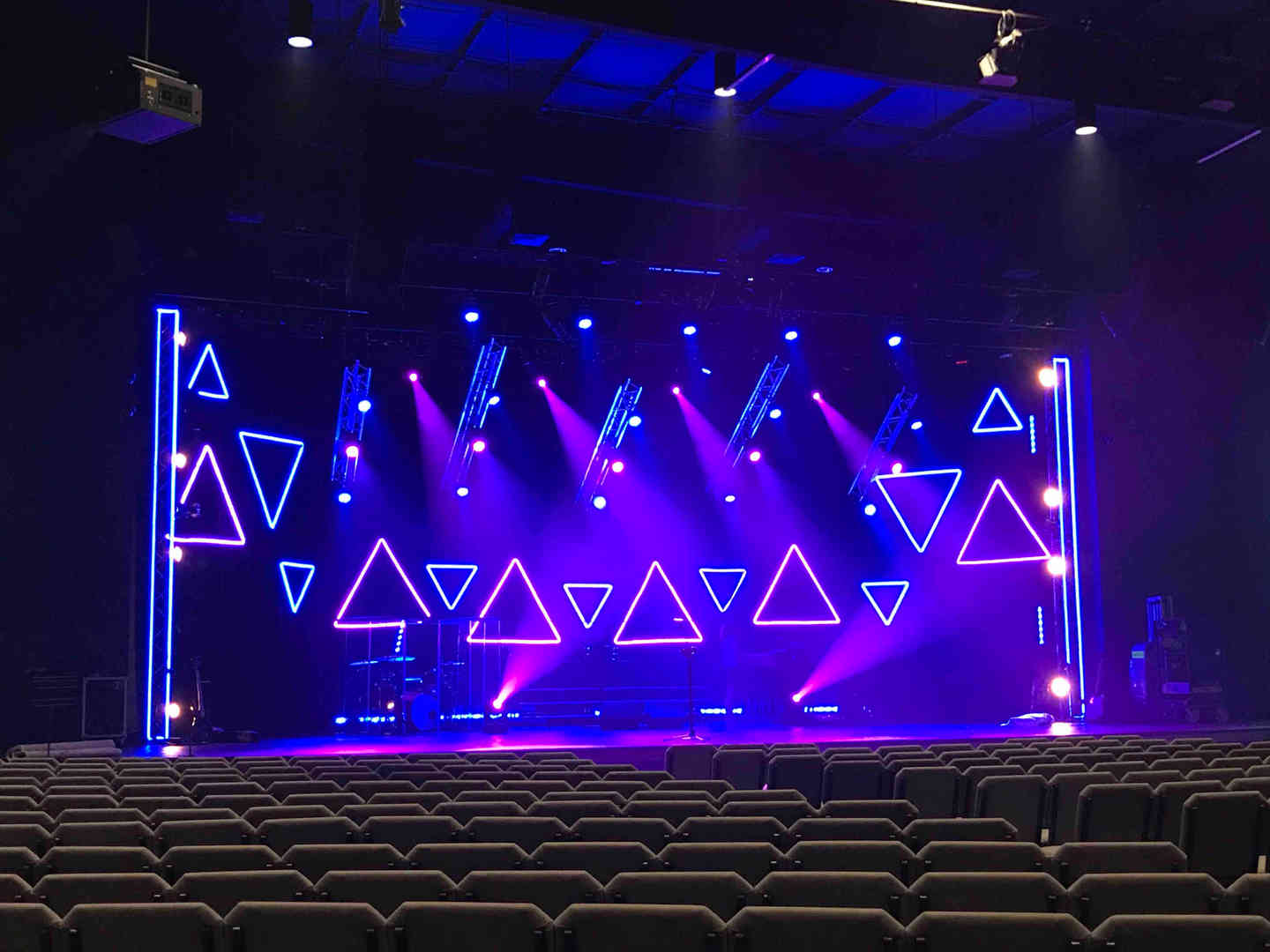 040 Lighting & LED Bars.jpg