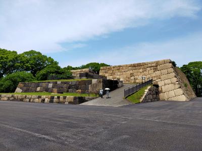 江戸城天守閣石垣2.png