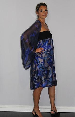Gilet et robe Jupe imprimée bleu.jpg