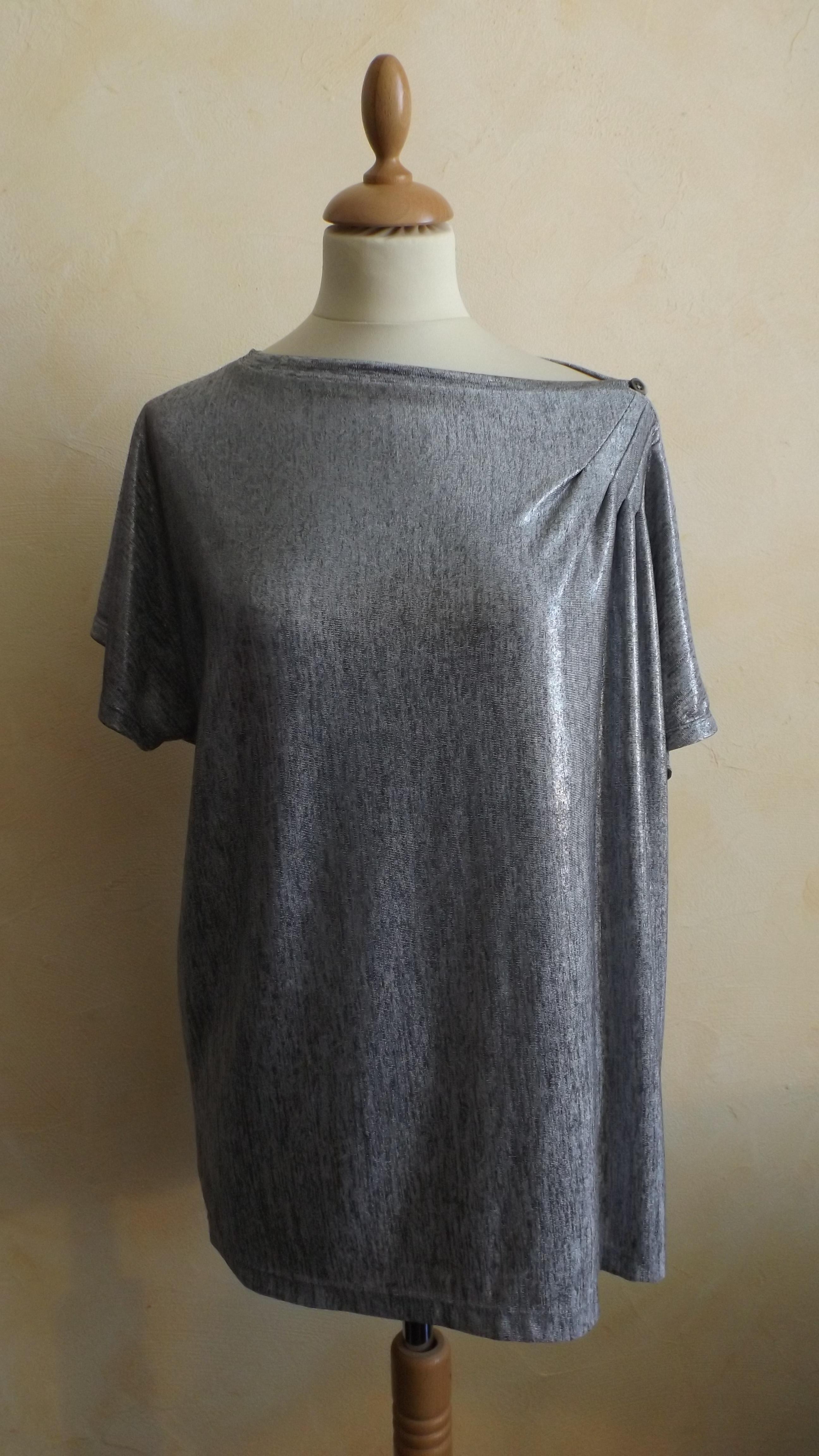Tshirt argenté asymétrique