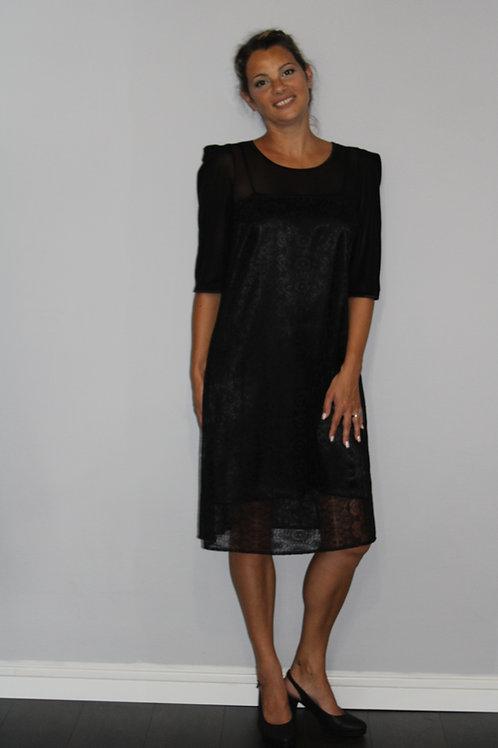Robe en dentelle noir style vintage