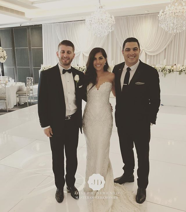 I would like to congratulate Pasquale & Claudia Vescio on a wonderful wedding. You both look amazing