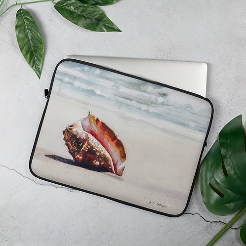 Conch Shell on the Beach: Laptop Sleeve