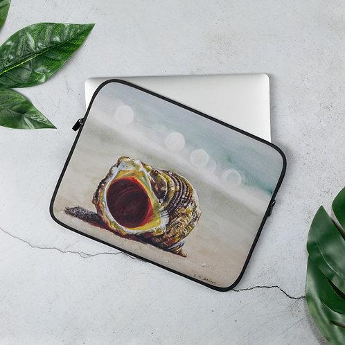 Chestnut Turban Shell on the Beach: Laptop Sleeve