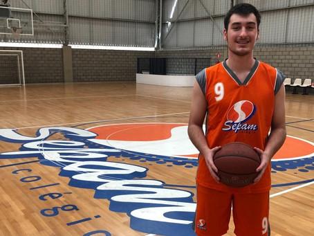 Ponta-grossense destaque no basquete vai jogar e estudar nos EUA