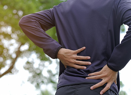 Lower Back Herniated Discs: Early Signs, Treatments, and Exercises