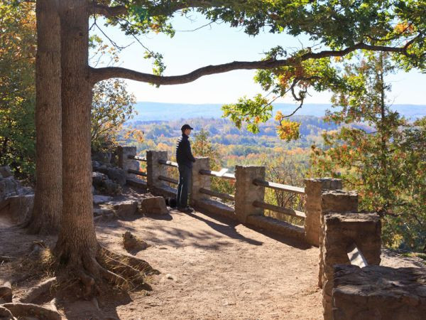 A lookout point at Rattlesnake point