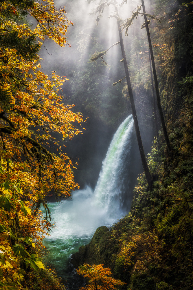 Metlako falls autumn photography