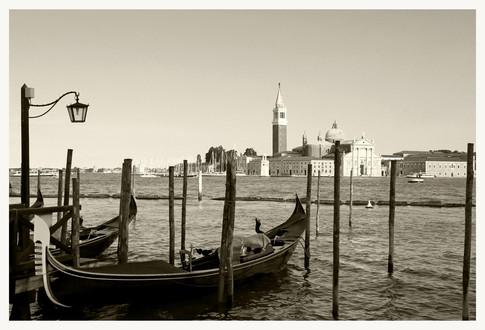 Isola di San Giorgio Maggiore con le gondole