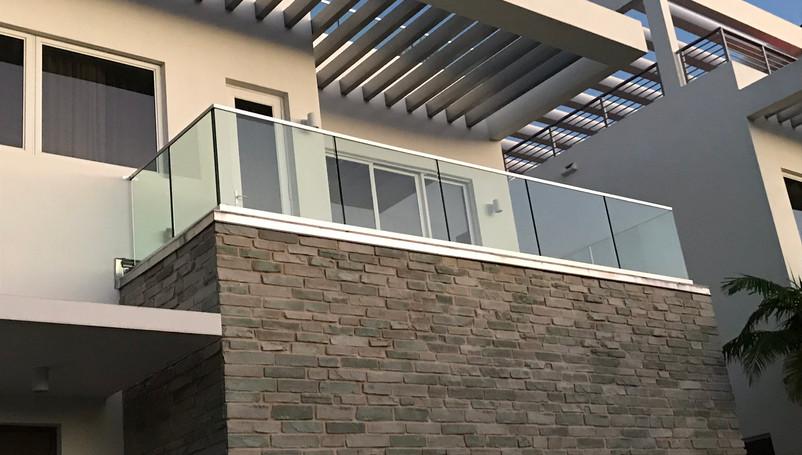 glass balcony rail