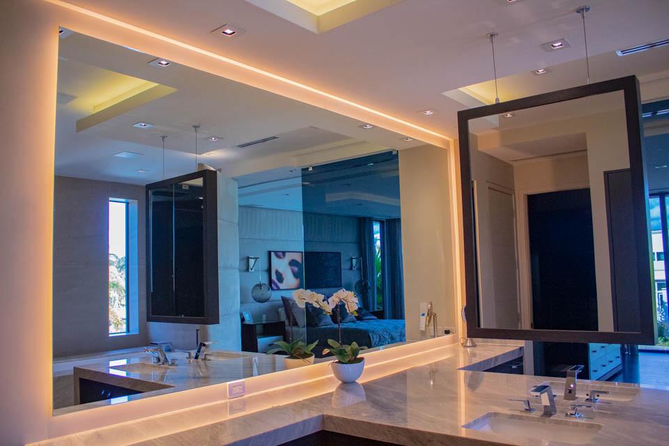 mirror backlit