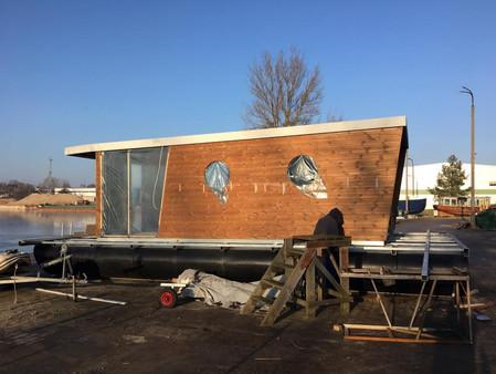 Bau der Hausbootes