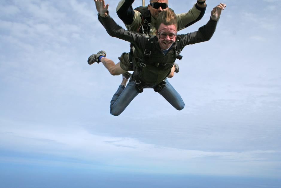 sky diving3.jpg