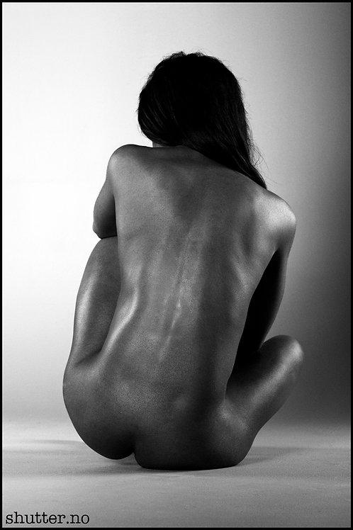Nude in studio 8.
