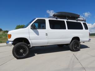 2005 Ford E-350 Extended Passenger V10 Timberline 4x4 Van