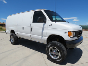 2006 Ford E-350 Extended Cargo Timberline 4x4 Van