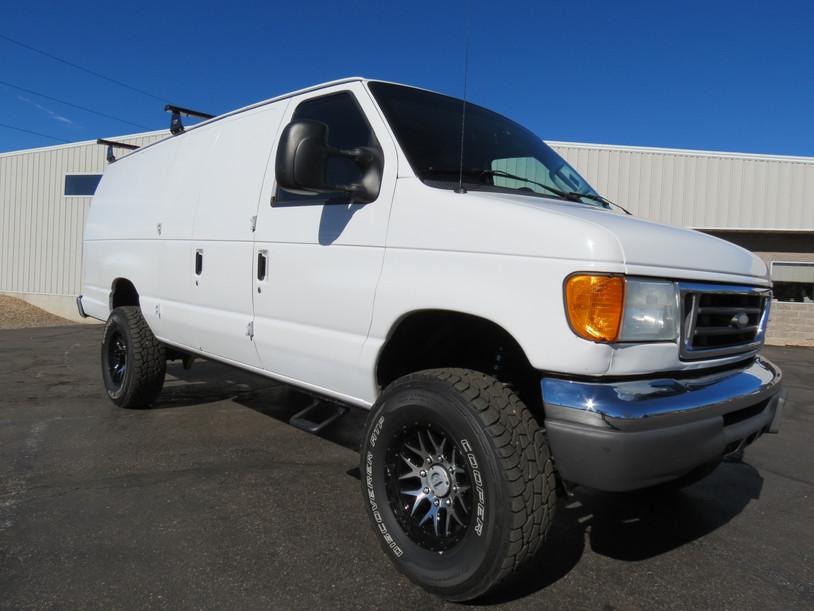 2007 Ford E-350 V10 Cargo Timberline 4x4 Van