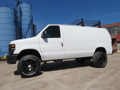 2008 Ford E-350 V10 Cargo Timberline 4x4 Van
