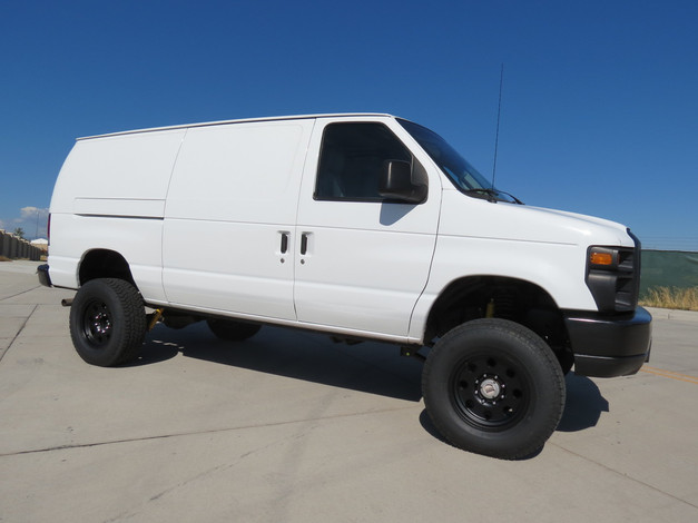 2008 Ford E-350 Cargo Timberline 4x4 Van