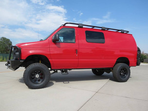 2011 Ford E-350 5.4 Cargo Timberline 4x4 Van