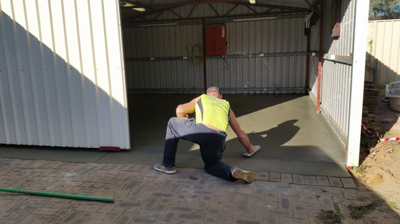 How to trowell concrete Adelaide