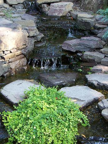 waterfall-73301_1920.jpg