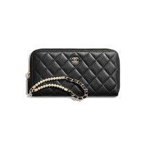zipped-wallet-with-handle-black-iridesce