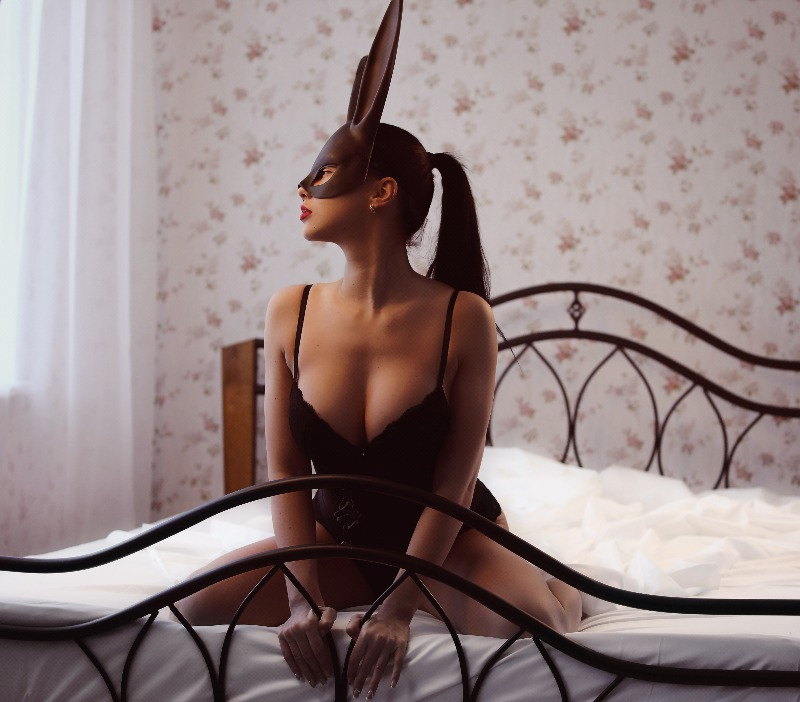 Maybe you have heard women talk about it: The bunny-fuck. If not trust me, it is not something referred to with joy and pleasure. It rather is something women mention while talking about their worst sexual encounters | Things to Avoid Doing in Bed | Dating with Fawn | Philadelphia, PA, USA