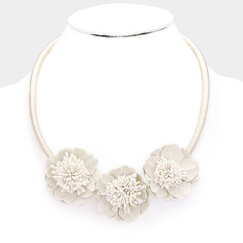 Color: Ivory Flower & Leaf Necklace.