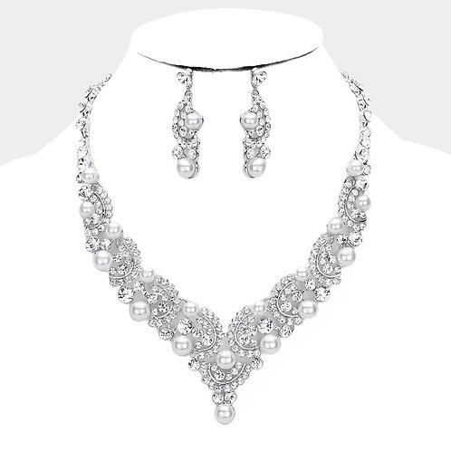 Color: Rhodium Pearl Crystal Rhinestone Evening Necklace.
