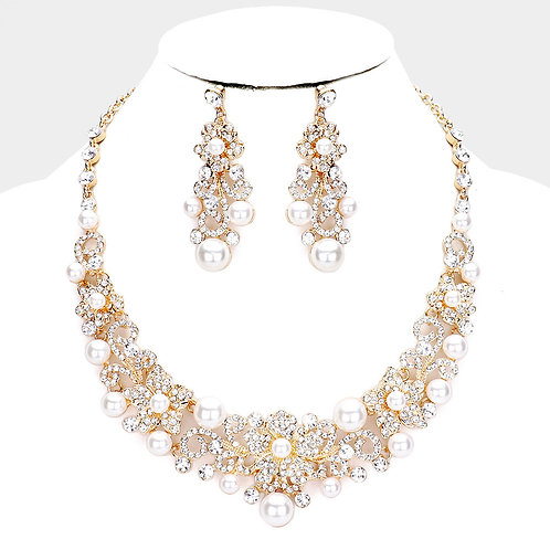 Color: Clear, Cream,  Gold Peal Rhinestone Floral  Evening Necklace.