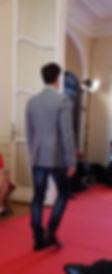 humahua, défilé, luxe, homme, veste grise, pantalon bleu