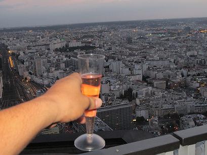 coupe de champagne vue sur paris