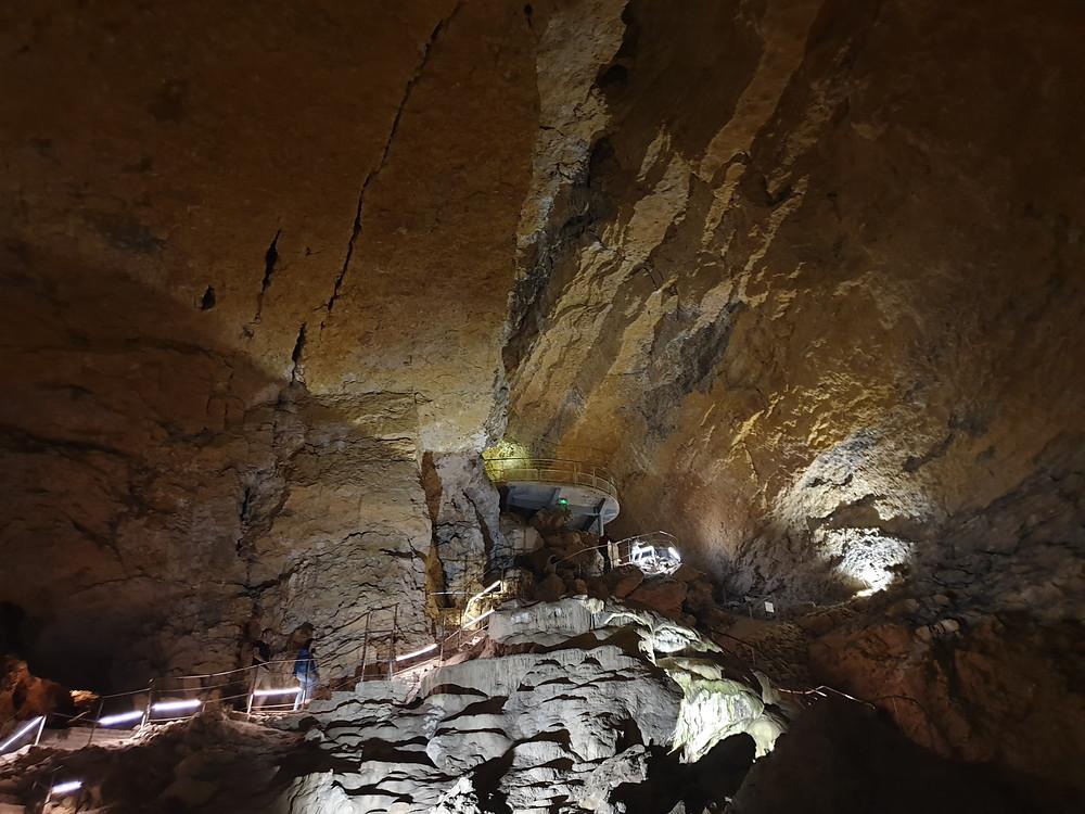 Les grottes de La Balme découverte et avis maman