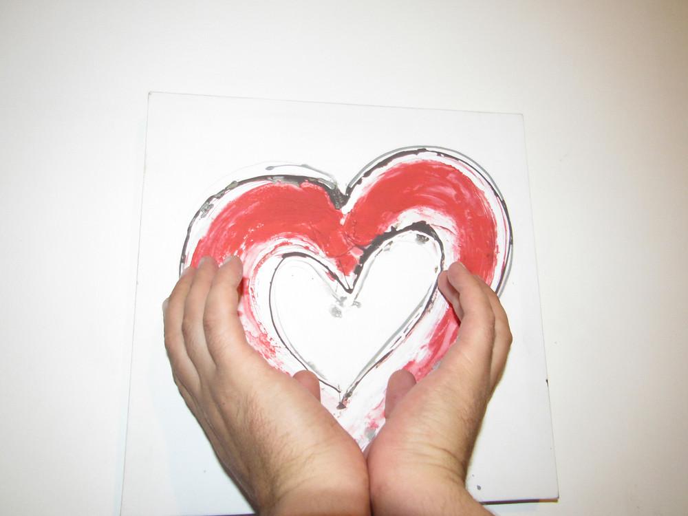 main, tient un cœur, séparation, contrdiction maternelle