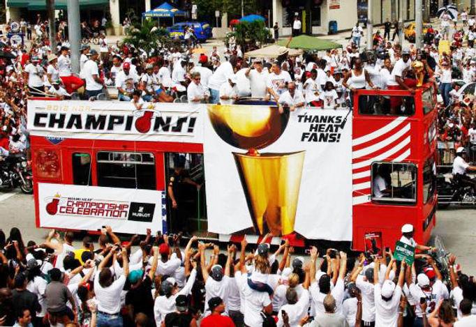 Miami-heat-banners-from-printers-cove-mi