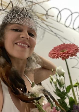 Mariana Branco. ARTe COMM YOGA
