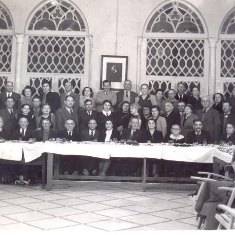 בית הפקידות בימיו כבית העם, כינוס באולם