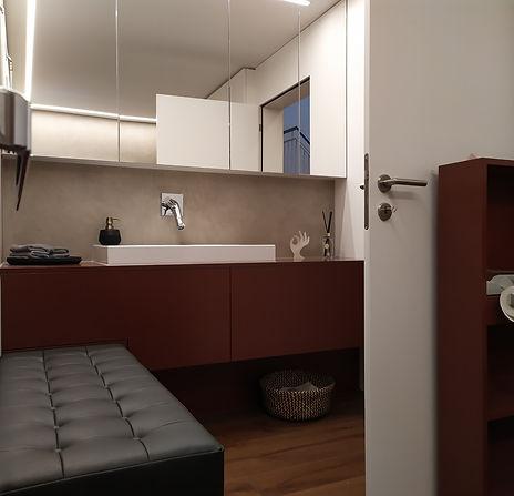 Badzimmermöbel Spiegelkasten auf Mass Naturofloor Led-Lichtbad Massanfertigung