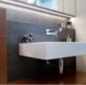 Spiegelkasten Badezimmermöbel Led-Beleuchtung Schubladen Schwyz Glastüre Dusche