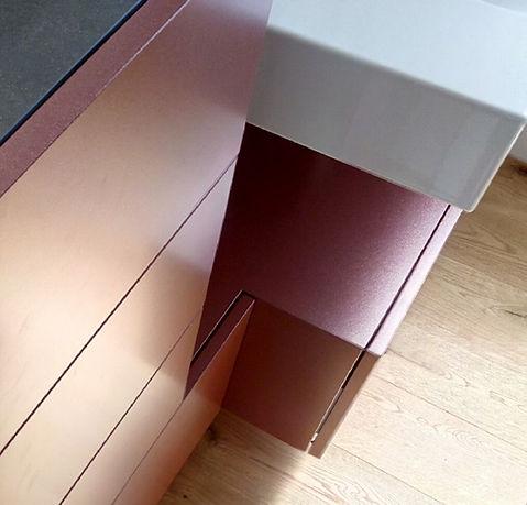 Badezimmermöbel, Arth Schwyz Keramik Farblack Türen Schwyz